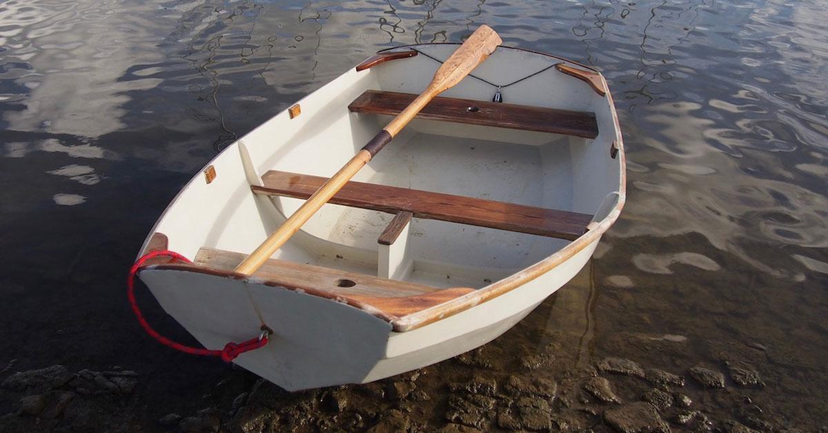 aviron de godille sur l'eau