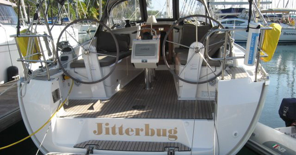 Bavaria 37 Cruiser cockpit